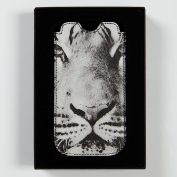 ''Mr. Universe''  by Oliver Rath, iPhone sleeve